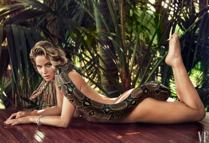 Jennifer Lawrence Poses Naked for Vanity Fair